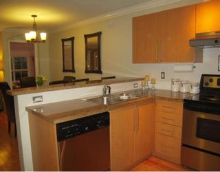 "Photo 2: 106 1150 E 29TH Street in North Vancouver: Lynn Valley Condo for sale in ""HIGHGATE"" : MLS®# V803428"