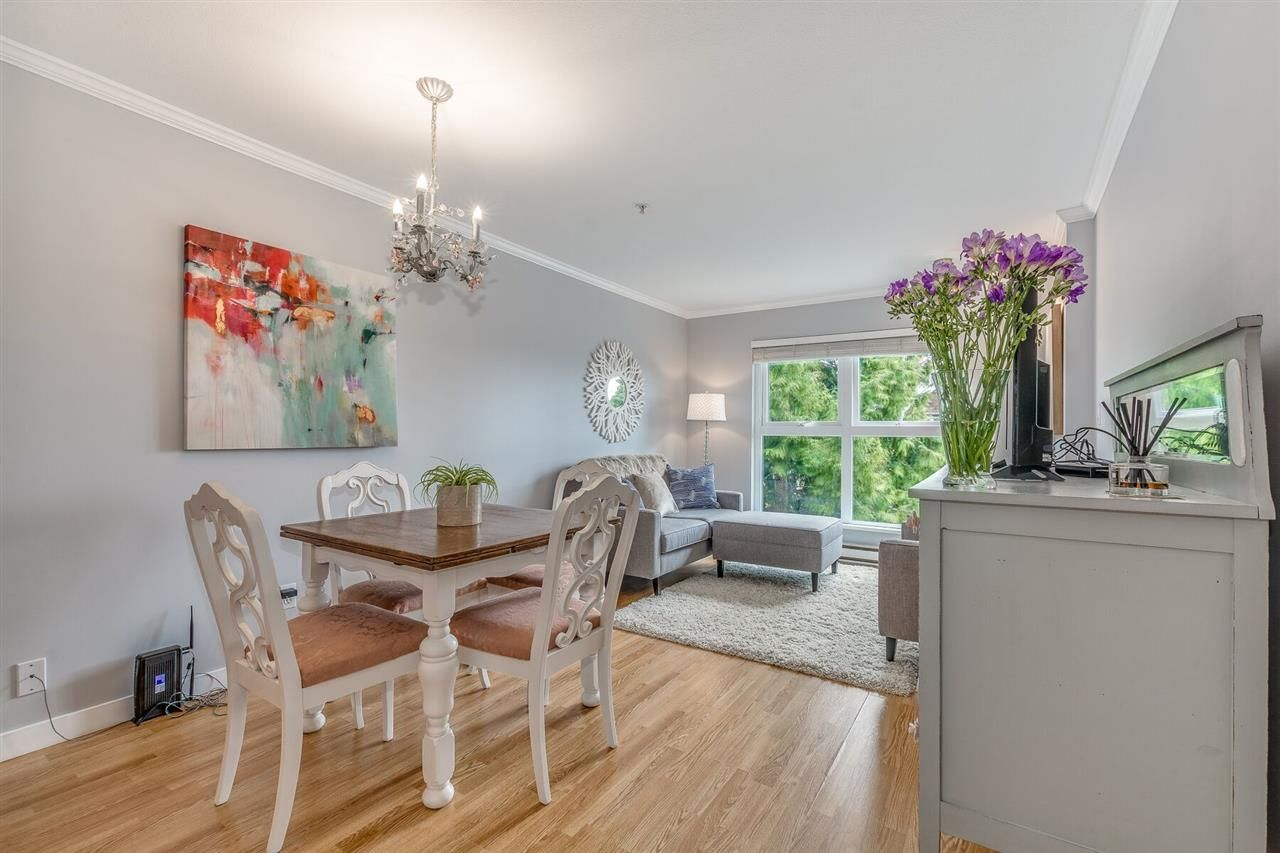 "Main Photo: 2510 W 4TH Avenue in Vancouver: Kitsilano Townhouse for sale in ""Linwood Place"" (Vancouver West)  : MLS®# R2258779"