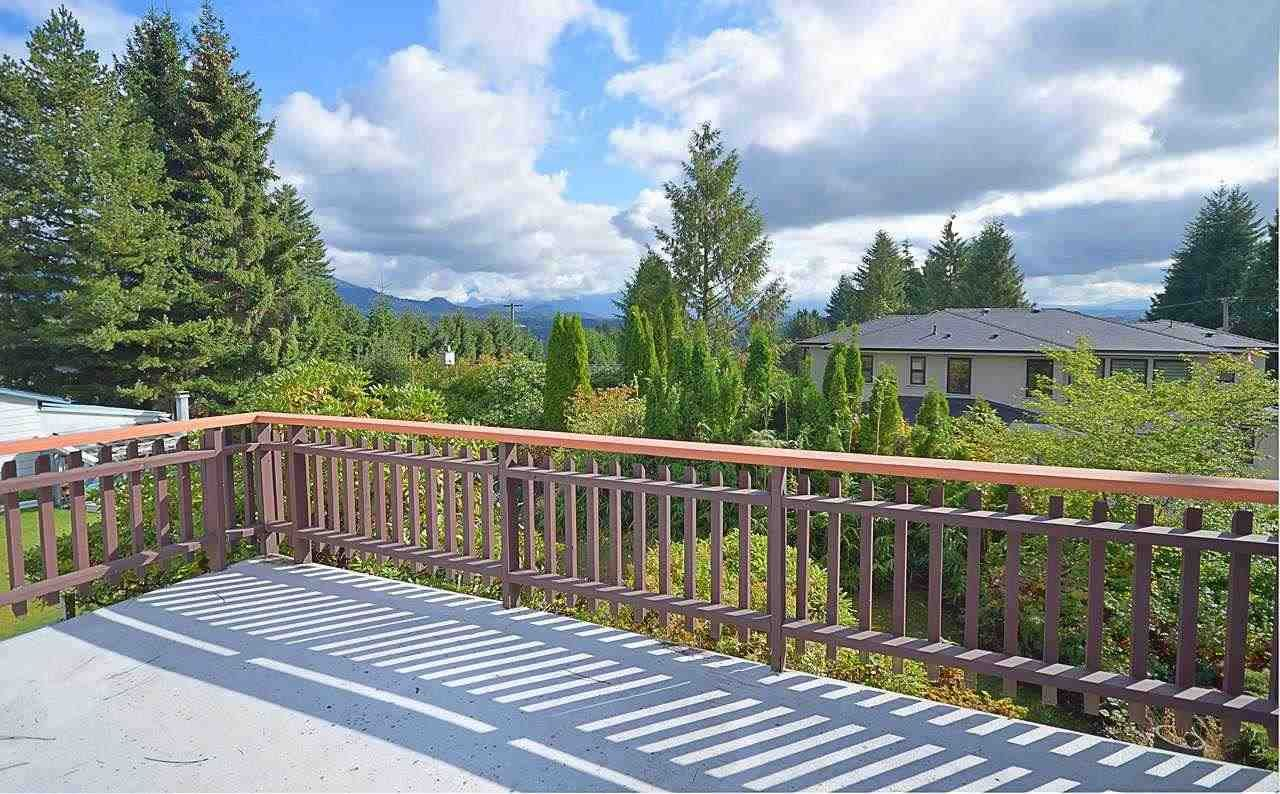"""Photo 7: Photos: 3033 STARLIGHT Way in Coquitlam: Ranch Park House for sale in """"RANCH PARK"""" : MLS®# R2208211"""
