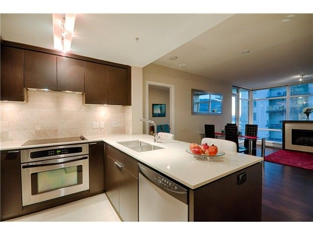 Photo 1: Photos: # 1207 158 W 13TH ST in North Vancouver: Central Lonsdale Condo for sale : MLS®# V1086786