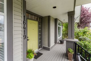 """Photo 3: 16419 59A Avenue in Surrey: Cloverdale BC House for sale in """"West Cloverdale"""" (Cloverdale)  : MLS®# R2294342"""
