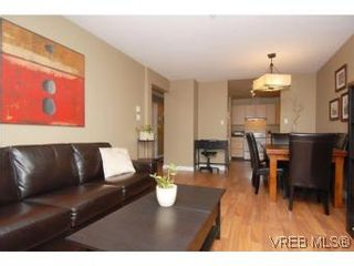 Photo 5: 202 1015 Johnson St in VICTORIA: Vi Downtown Condo for sale (Victoria)  : MLS®# 527659