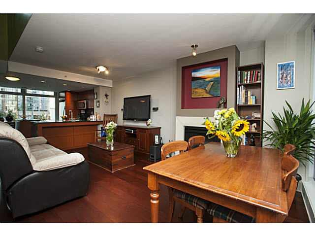 """Photo 3: Photos: 315 1255 SEYMOUR Street in Vancouver: Downtown VW Townhouse for sale in """"The Elan"""" (Vancouver West)  : MLS®# V1077114"""