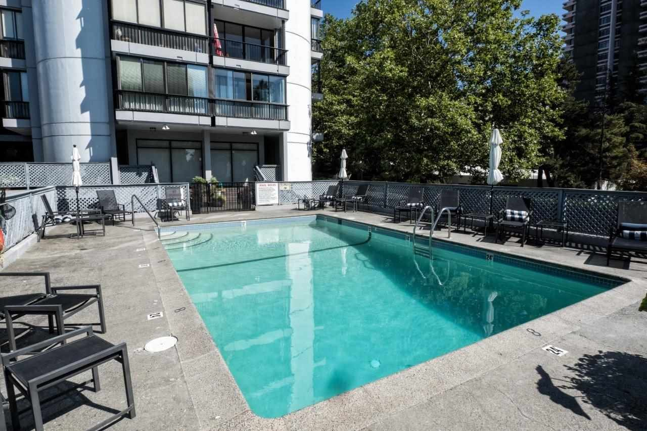 """Photo 3: Photos: 1203 650 16TH Street in West Vancouver: Ambleside Condo for sale in """"Westshore Place"""" : MLS®# R2147302"""
