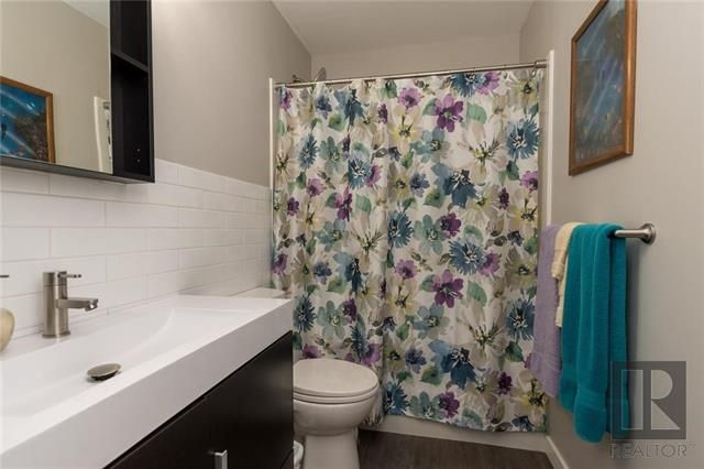Photo 17: Photos: 56 Fontaine Crescent in Winnipeg: Windsor Park Residential for sale (2G)  : MLS®# 1826901