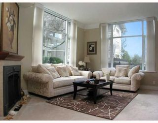 "Photo 2: 109 4685 VALLEY Drive in Vancouver: Quilchena Condo for sale in ""MARGUERITE HOUSE I"" (Vancouver West)  : MLS®# V755455"