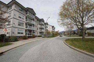 """Photo 13: 212 1203 PEMBERTON Avenue in Squamish: Downtown SQ Condo for sale in """"EAGLE GROVE"""" : MLS®# R2363138"""