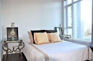"Photo 7: 2501 1211 MELVILLE Street in Vancouver: Coal Harbour Condo for sale in ""The Ritz"" (Vancouver West)  : MLS®# R2572755"