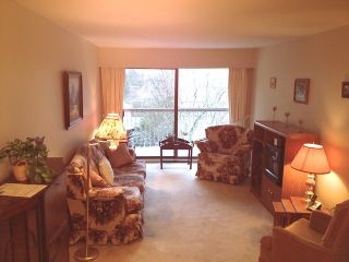 "Photo 2: # 304 15369 THRIFT AV: White Rock Condo for sale in ""Anthea Manor"" (South Surrey White Rock)  : MLS®# F1300082"