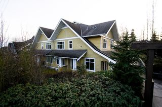 """Photo 27: 5 6878 SOUTHPOINT Drive in Burnaby: South Slope Townhouse for sale in """"CORTINA"""" (Burnaby South)  : MLS®# R2143972"""