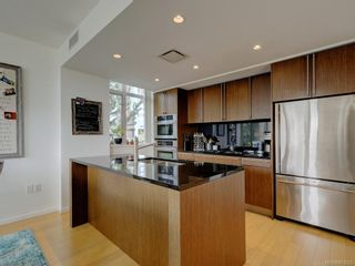 Photo 5: TH4 100 Saghalie Rd in : VW Songhees Row/Townhouse for sale (Victoria West)  : MLS®# 863022