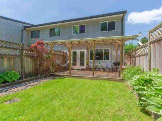 "Photo 2: 12136 SCHMIDT Crescent in Maple Ridge: Northwest Maple Ridge Townhouse for sale in ""Woodland Park"" : MLS®# R2580880"
