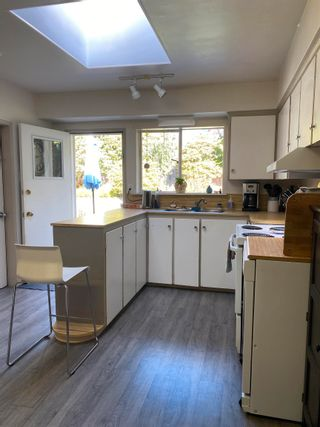 Photo 8: 918 WENTWORTH Avenue in North Vancouver: Forest Hills NV House for sale : MLS®# R2624148
