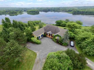 Photo 1: 797 Coxheath Road in Sydney: 202-Sydney River / Coxheath Residential for sale (Cape Breton)  : MLS®# 201926985