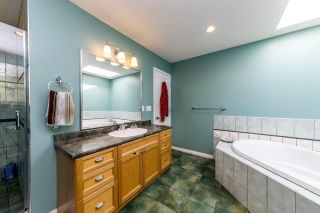 Photo 12: 1478 ARBORLYNN Drive in North Vancouver: Westlynn House for sale : MLS®# R2378911