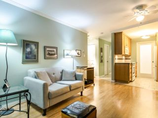 """Photo 12: 215 555 W 14TH Avenue in Vancouver: Fairview VW Condo for sale in """"Cambridge Place"""" (Vancouver West)  : MLS®# R2470013"""