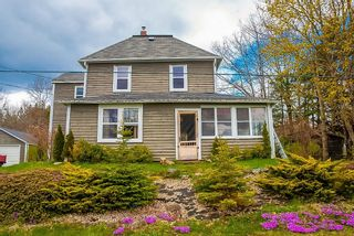 Photo 1: 29 BEACH Road in Broad Cove: 405-Lunenburg County Residential for sale (South Shore)  : MLS®# 202111696