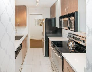 """Photo 9: 310 977 MAINLAND Street in Vancouver: Yaletown Condo for sale in """"YALETOWN PARK III by Wall Financial"""" (Vancouver West)  : MLS®# R2241322"""