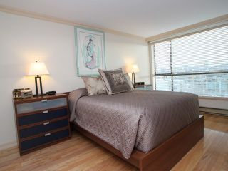 """Photo 8: 607 1490 PENNYFARTHING Drive in Vancouver: False Creek Condo for sale in """"HARBOUR COVE"""" (Vancouver West)  : MLS®# V860789"""