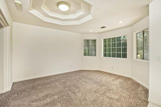 Photo 5: 331 Beaumont Ct in Vista: Residential for sale (92084 - Vista)  : MLS®# 170045073