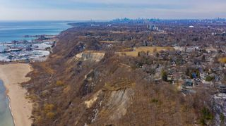 Photo 17: 1 Fenwood Heights in Toronto: Cliffcrest House (Bungalow-Raised) for sale (Toronto E08)  : MLS®# E5154214