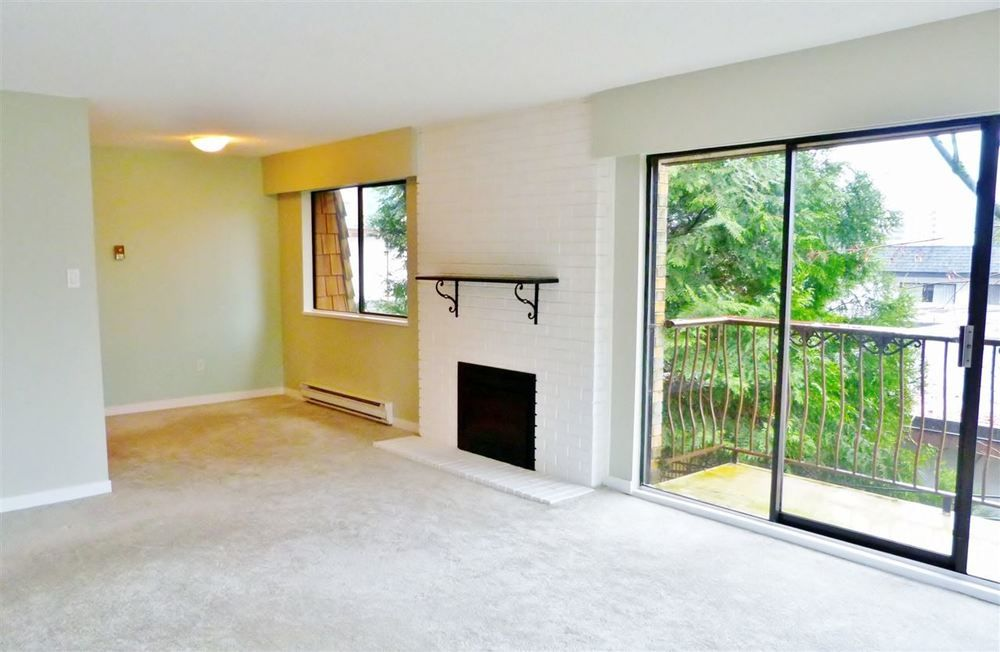 Main Photo: 302 1721 ST. GEORGES AVENUE in North Vancouver: Home for sale : MLS®# R2142363