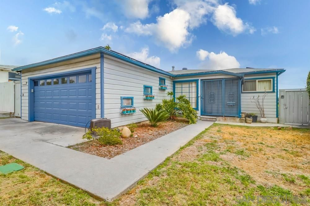 Main Photo: PACIFIC BEACH House for sale : 3 bedrooms : 1643 Beryl in San Diego