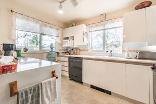 Photo 5: 211 7465 SANDBORNE Avenue in Burnaby: South Slope Condo for sale (Burnaby South)  : MLS®# R2145691