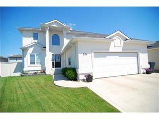 Photo 1: 534 Blackburn Crescent in Saskatoon: Briarwood Single Family Dwelling for sale (Saskatoon Area 01)  : MLS®# 414877