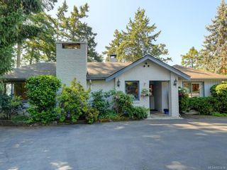 Photo 37: 825 Towner Park Rd in North Saanich: NS Deep Cove House for sale : MLS®# 821434