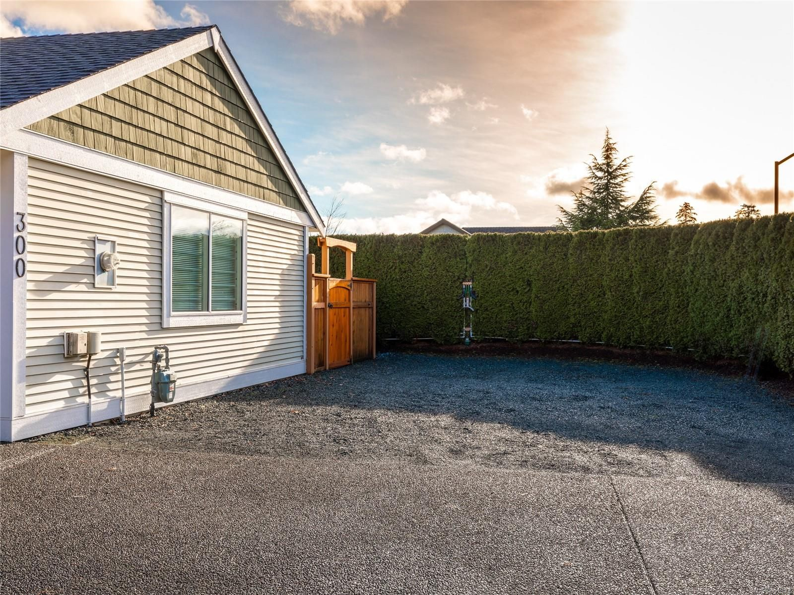Photo 9: Photos: 300 Church Rd in : PQ Parksville House for sale (Parksville/Qualicum)  : MLS®# 861932