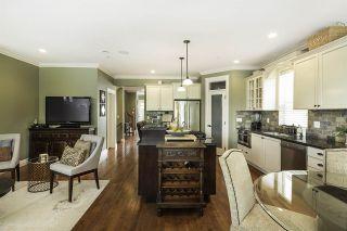 Photo 4: 15555 GOGGS Avenue: White Rock House for sale (South Surrey White Rock)  : MLS®# R2082032