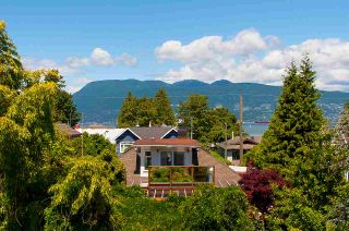 Photo 18: 4515 LANGARA Avenue in Vancouver: Point Grey House for sale (Vancouver West)  : MLS®# R2573120