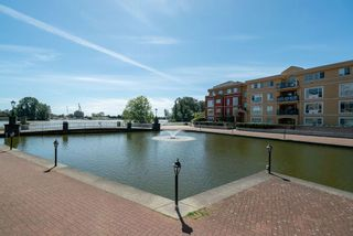 """Photo 27: 102 2 RENAISSANCE Square in New Westminster: Quay Condo for sale in """"The Lido"""" : MLS®# R2467538"""