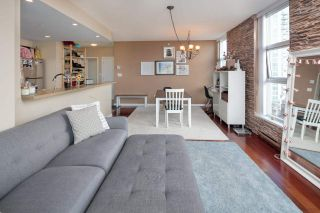 """Photo 10: 902 189 NATIONAL Avenue in Vancouver: Mount Pleasant VE Condo for sale in """"SUSSEX BY Bosa"""" (Vancouver East)  : MLS®# R2141629"""