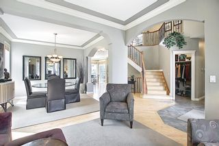 Photo 4: 17 Simcrest Manor SW in Calgary: Signal Hill Detached for sale : MLS®# A1128718