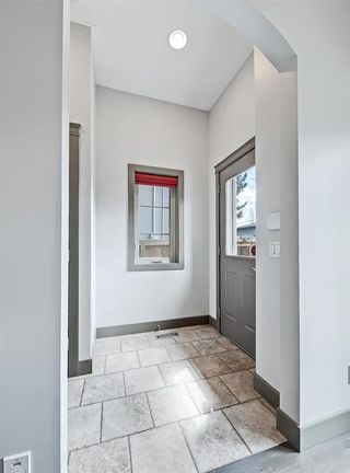 Photo 17: 413 31 Avenue NW in Calgary: Mount Pleasant Semi Detached for sale : MLS®# A1104669