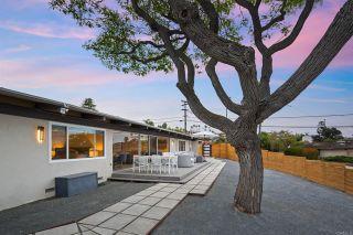 Photo 5: House for sale : 3 bedrooms : 1050 La Jolla Rancho Rd in La Jolla