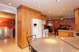 Photo 4: 14516 CHARTWELL Drive in Surrey: Bear Creek Green Timbers House for sale : MLS®# R2141748