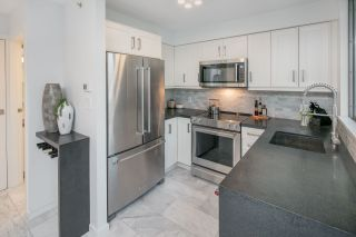 """Photo 7: 1206 1238 RICHARDS Street in Vancouver: Yaletown Condo for sale in """"METROPOLIS"""" (Vancouver West)  : MLS®# R2187337"""