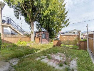 Photo 3: 3123 E 4TH Avenue in Vancouver: Renfrew VE House for sale (Vancouver East)  : MLS®# R2106855
