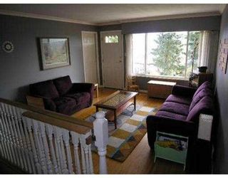 Photo 2: 45 HOLDOM AV in Burnaby: Capitol Hill BN House for sale (Burnaby North)  : MLS®# V548423
