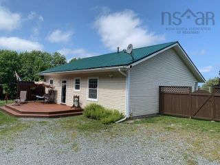Photo 2: 5338 Little Harbour Road in Little Harbour: 108-Rural Pictou County Residential for sale (Northern Region)  : MLS®# 202121038