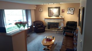 """Photo 2: 2240 PAULUS Crescent in Burnaby: Montecito House for sale in """"MONTECITO"""" (Burnaby North)  : MLS®# R2142737"""