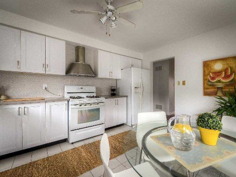Photo 18: Photos: 2 Artisan Place in Toronto: Hillcrest Village House (2-Storey) for sale (Toronto C15)  : MLS®# C3019377