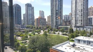 """Photo 2: 906 488 HELMCKEN Street in Vancouver: Yaletown Condo for sale in """"Robinson Tower"""" (Vancouver West)  : MLS®# R2086319"""