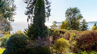 "Photo 13: 5359 BENNER Road in Sechelt: Sechelt District House for sale in ""SELMA PARK"" (Sunshine Coast)  : MLS®# R2565678"