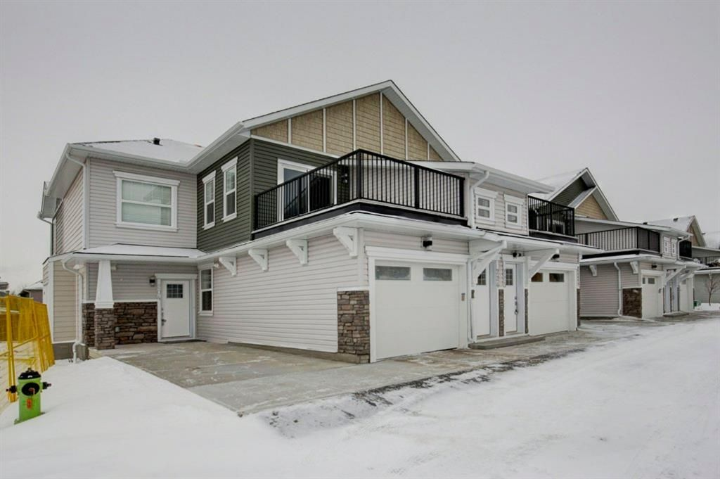 Main Photo: 302 115 Sagewood Drive: Airdrie Row/Townhouse for sale : MLS®# A1077282