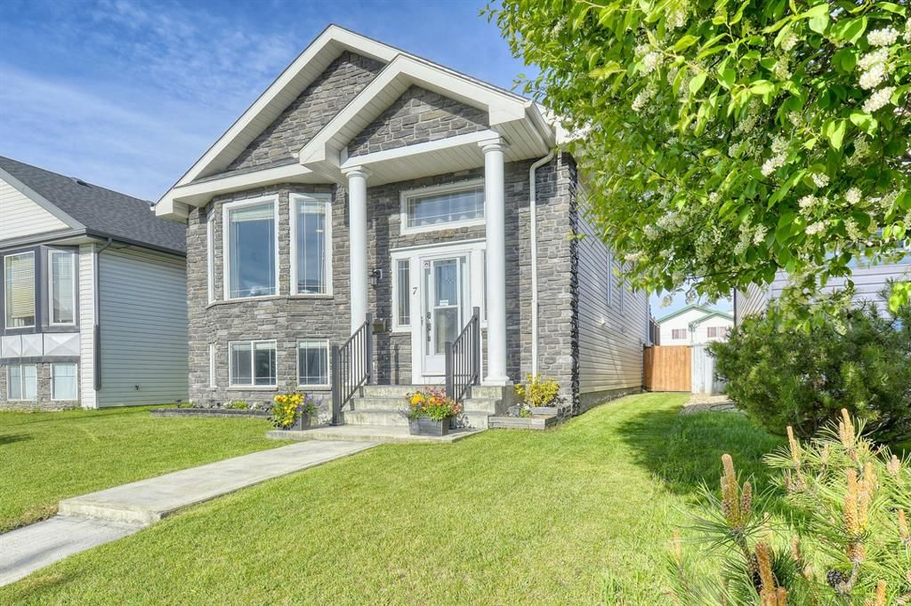 Main Photo: 7 Somerside Common SW in Calgary: Somerset Detached for sale : MLS®# A1112845
