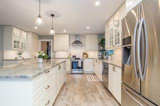 Photo 3: 11661 207 Street in Maple Ridge: Southwest Maple Ridge House for sale : MLS®# R2556742
